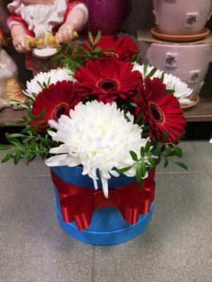 Шляпные коробки из цветов в Янауле