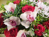 Букет из роз и орхидей микс в Янауле с доставкой