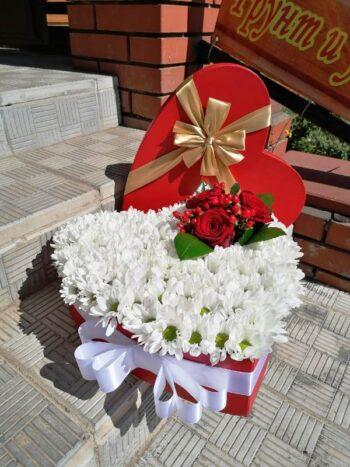 Букет из цветов в виде сердца в Янауле