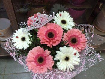 Букет из 7 гербер белые и розовые