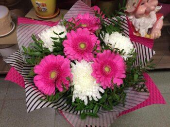 Букет из гербер и хризантем с доставкой в Янауле