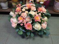 Корзинаиз роз с доставкой в Янауле