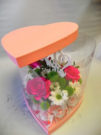 Букет в прозрачной шляпной коробке в Янауле