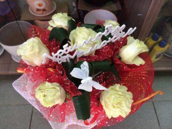 букет из белых роз в Янауле
