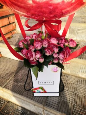 Цветы в коробке с шаром Bubble в Янауле